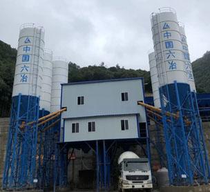 河南宏海机械HZS180商品混凝土搅拌站的设备照片
