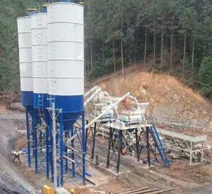 河南XX机械HZS50混凝土搅拌站的设备照片