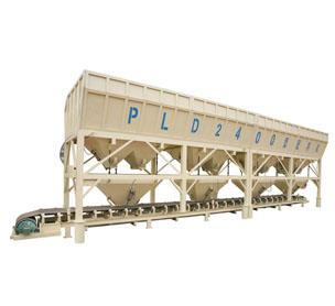 河南XX机械PLD2400混凝土配料机的设备照片