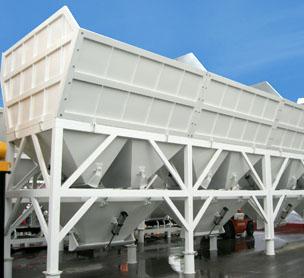 河南XX机械PLD4800混凝土配料机的设备照片